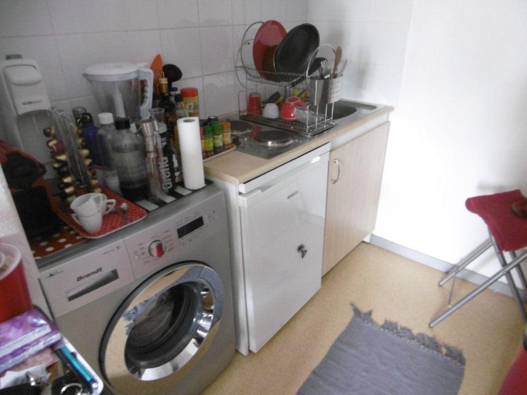 Appartement à louer 2 35.03m2 à Limoges vignette-3