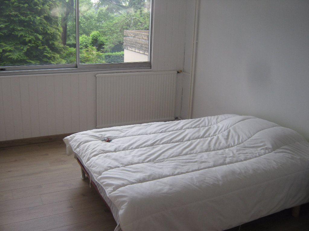 Appartement à louer 3 64.77m2 à Limoges vignette-5