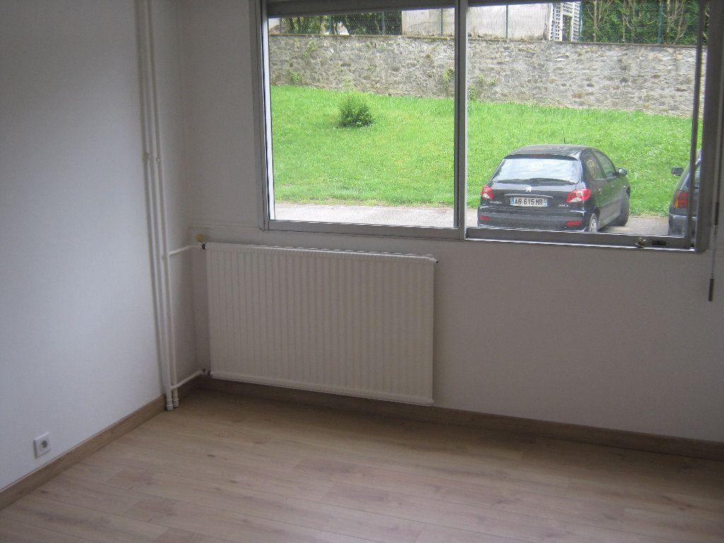 Appartement à louer 3 64.77m2 à Limoges vignette-9