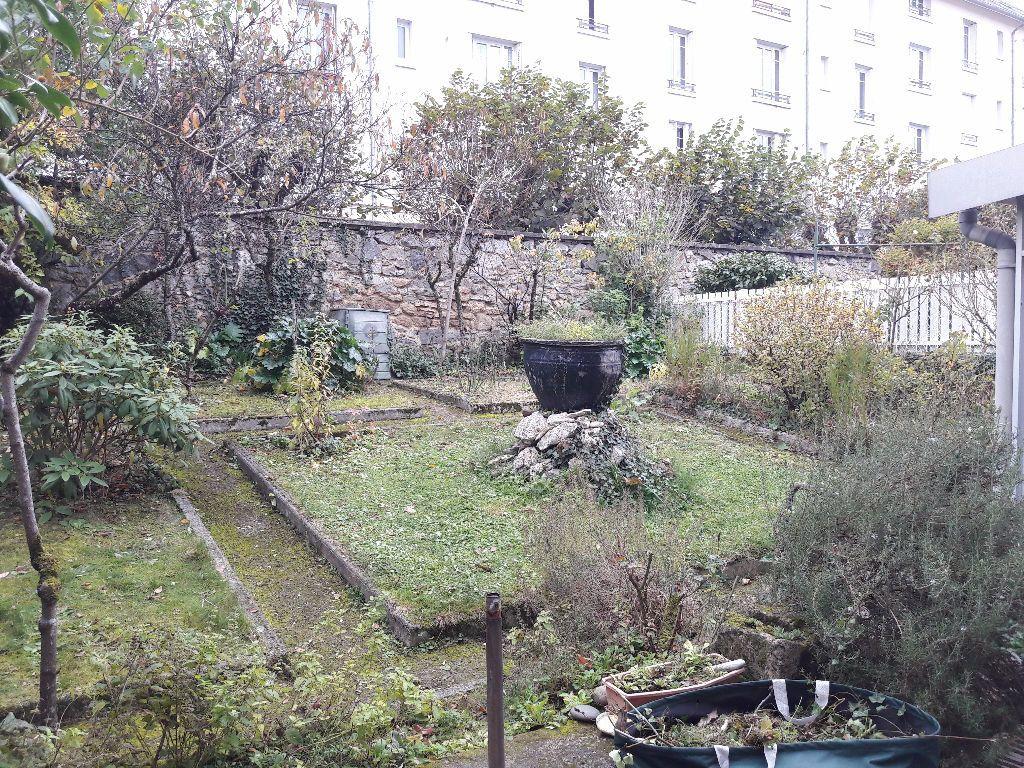 Maison à louer 6 130m2 à Limoges vignette-2