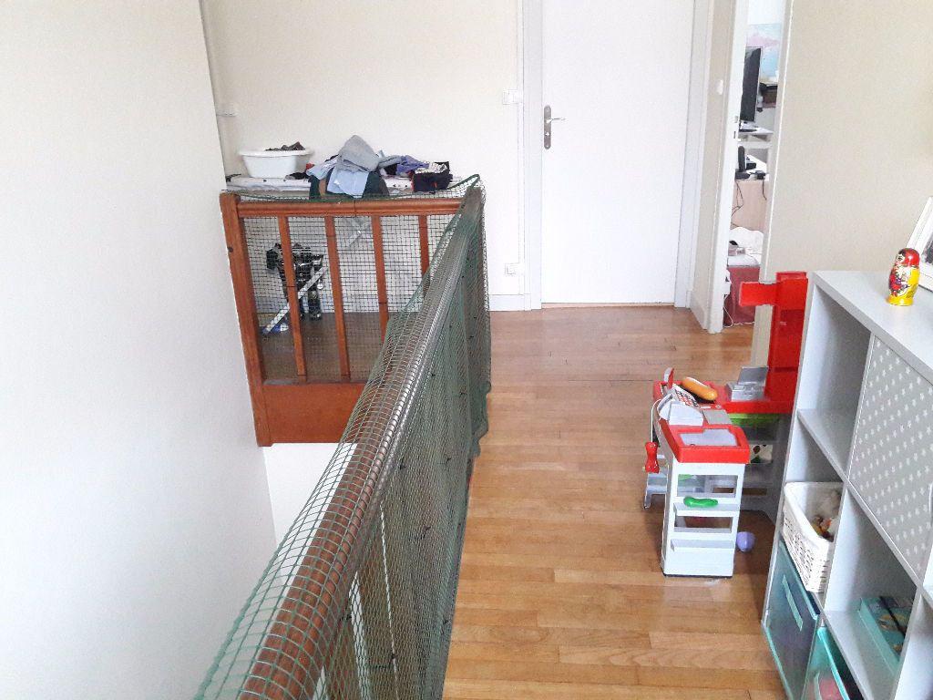 Maison à louer 6 130m2 à Limoges vignette-5