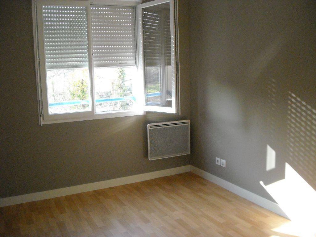Appartement à louer 2 46.81m2 à Limoges vignette-9