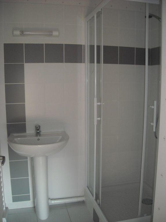 Appartement à louer 2 46.81m2 à Limoges vignette-11
