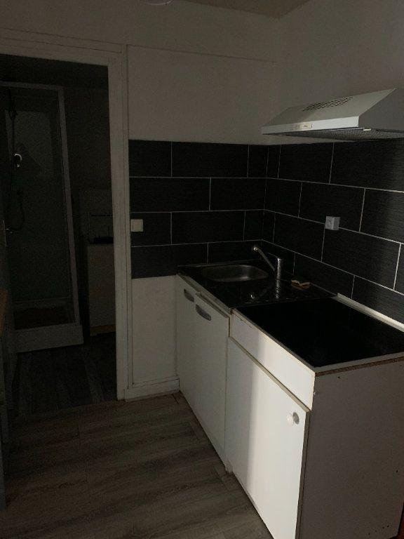 Appartement à louer 1 41.18m2 à Limoges vignette-4