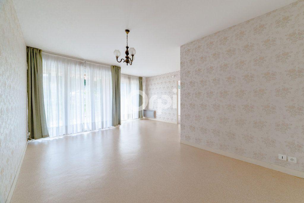 Appartement à louer 3 64.14m2 à Limoges vignette-2
