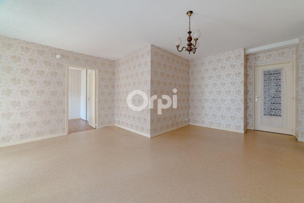 Appartement à louer 3 64.14m2 à Limoges vignette-3