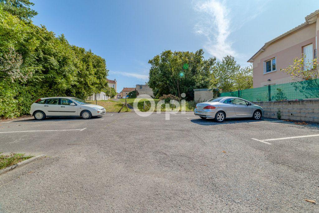 Appartement à louer 3 64.14m2 à Limoges vignette-10