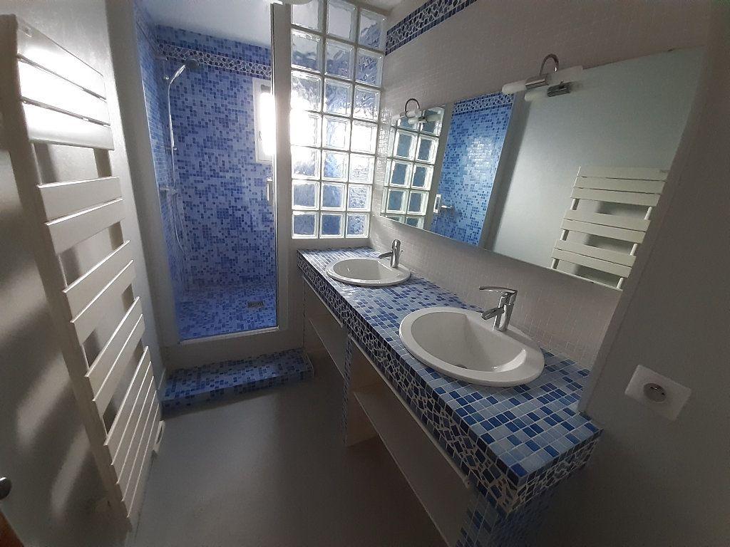Appartement à louer 3 67.33m2 à Limoges vignette-5
