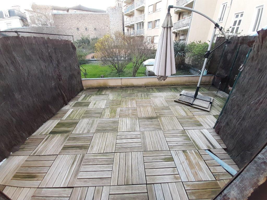 Appartement à louer 3 67.33m2 à Limoges vignette-7