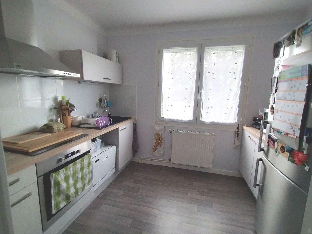 Maison à louer 3 65m2 à Limoges vignette-1