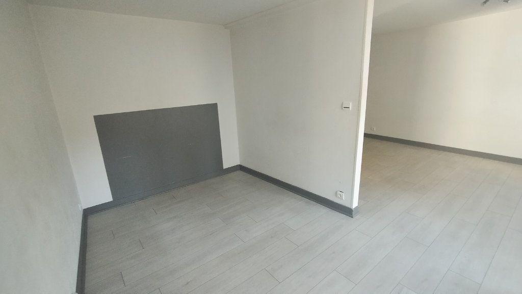 Appartement à louer 2 41.13m2 à Limoges vignette-3