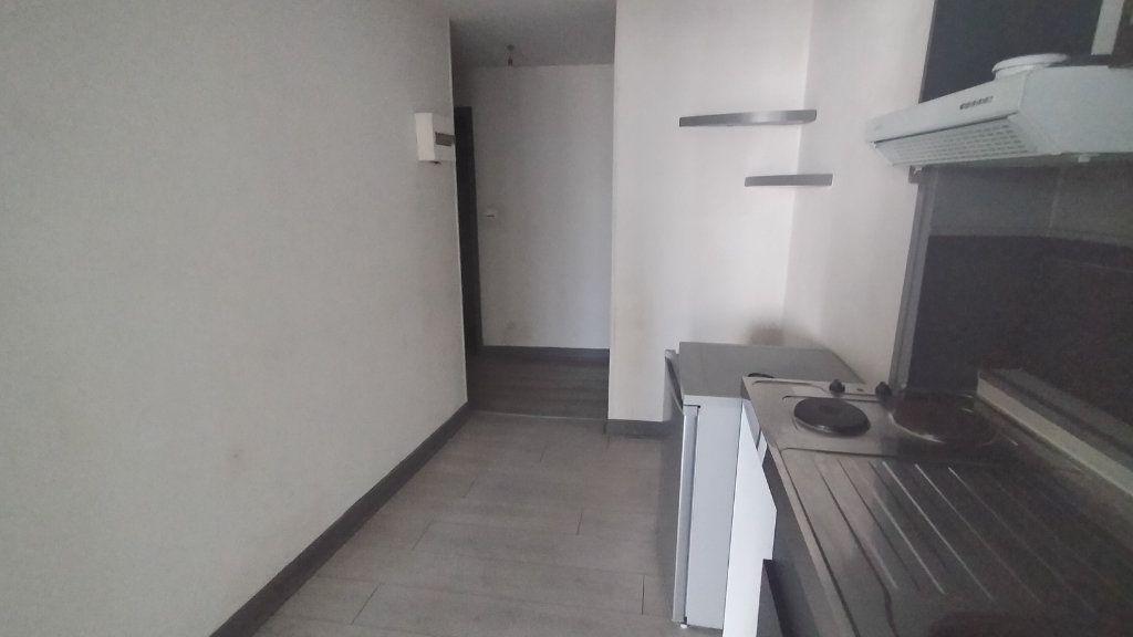 Appartement à louer 2 41.13m2 à Limoges vignette-6