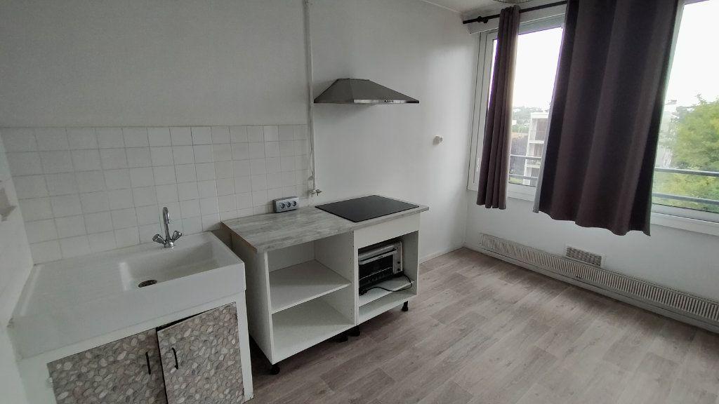 Appartement à louer 1 25.55m2 à Limoges vignette-4