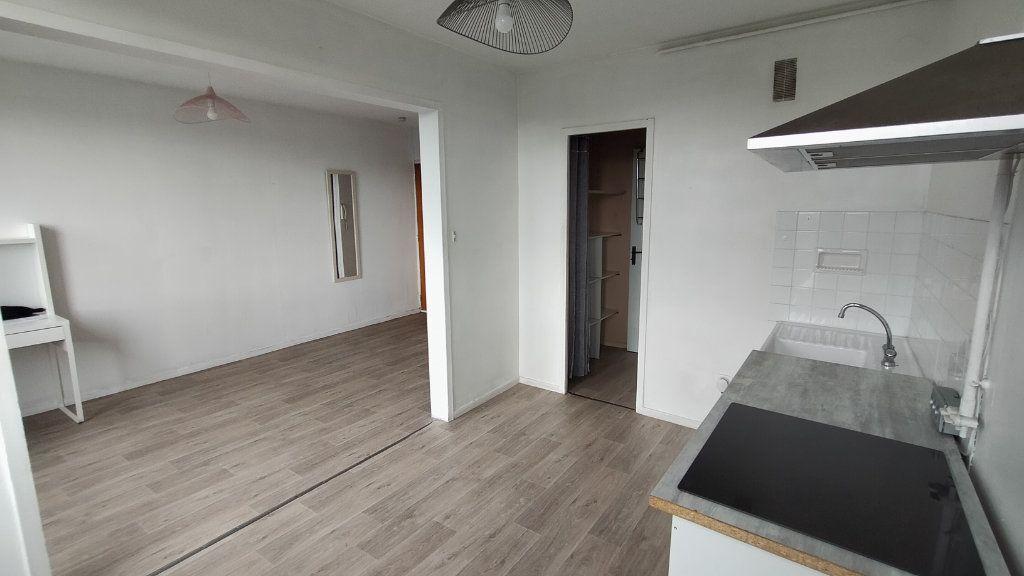 Appartement à louer 1 25.55m2 à Limoges vignette-5