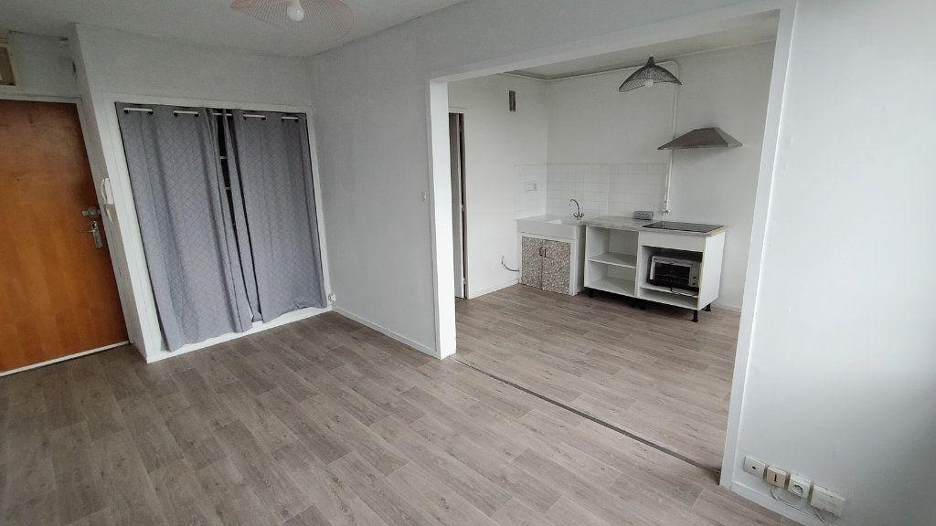 Appartement à louer 1 25.55m2 à Limoges vignette-6