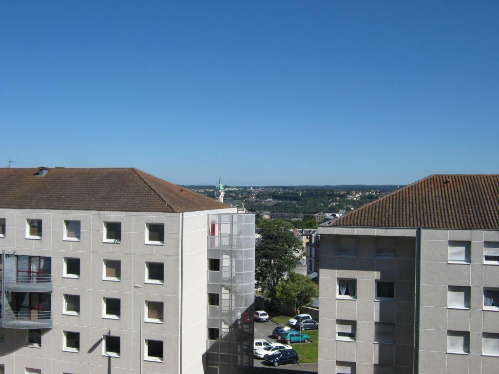Appartement à louer 3 56.6m2 à Limoges vignette-4