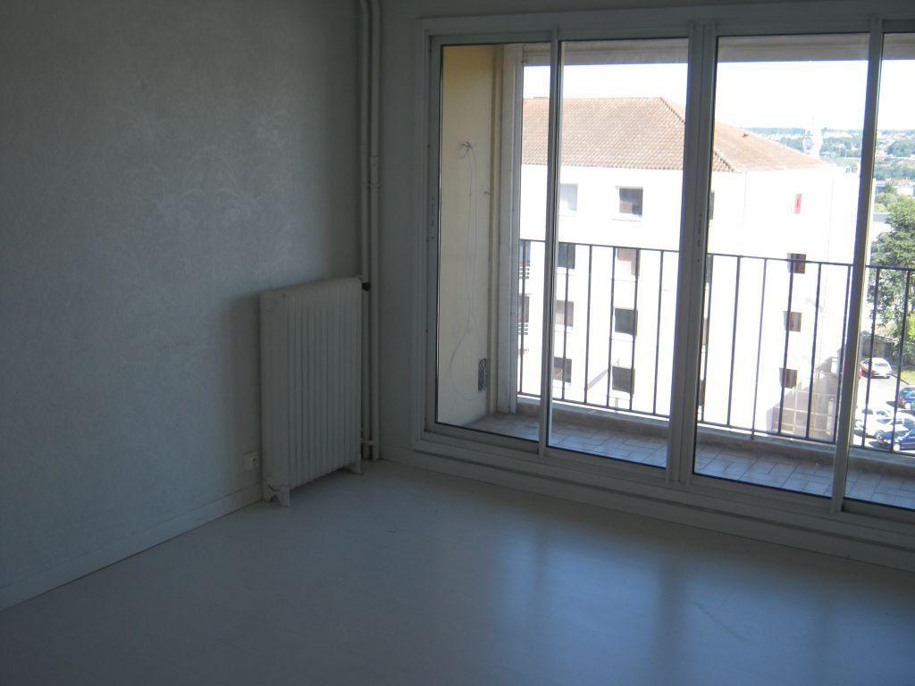 Appartement à louer 3 56.6m2 à Limoges vignette-6
