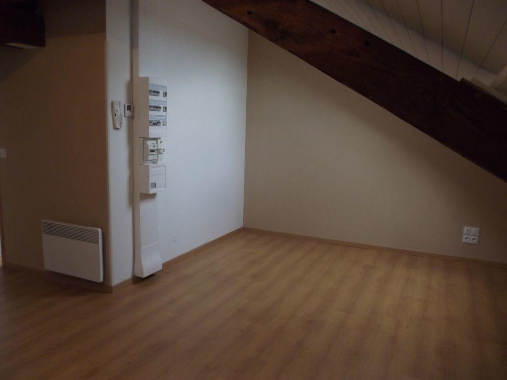 Appartement à louer 2 32m2 à Morcenx vignette-3