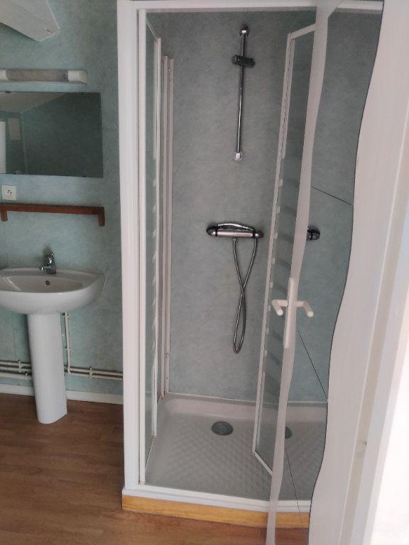 Appartement à louer 1 24m2 à Mont-de-Marsan vignette-4