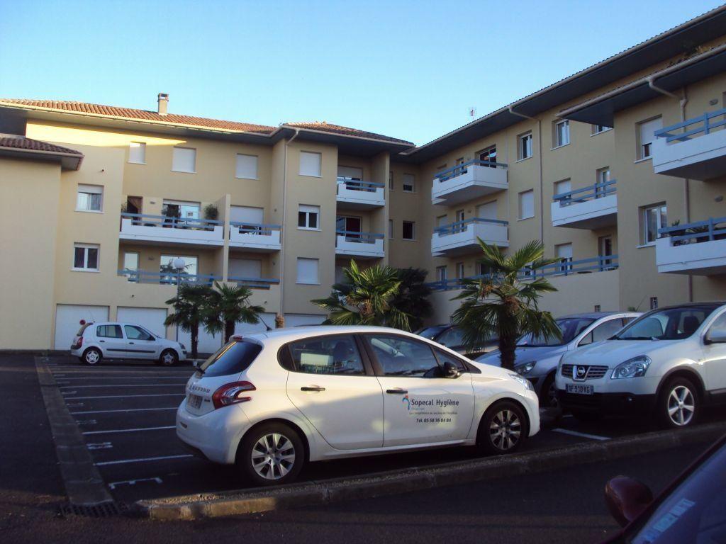 Appartement à louer 2 43m2 à Mont-de-Marsan vignette-1