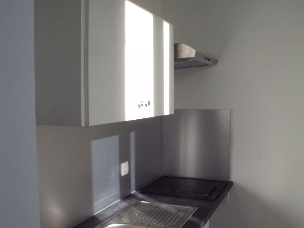 Appartement à louer 3 67m2 à Mont-de-Marsan vignette-2