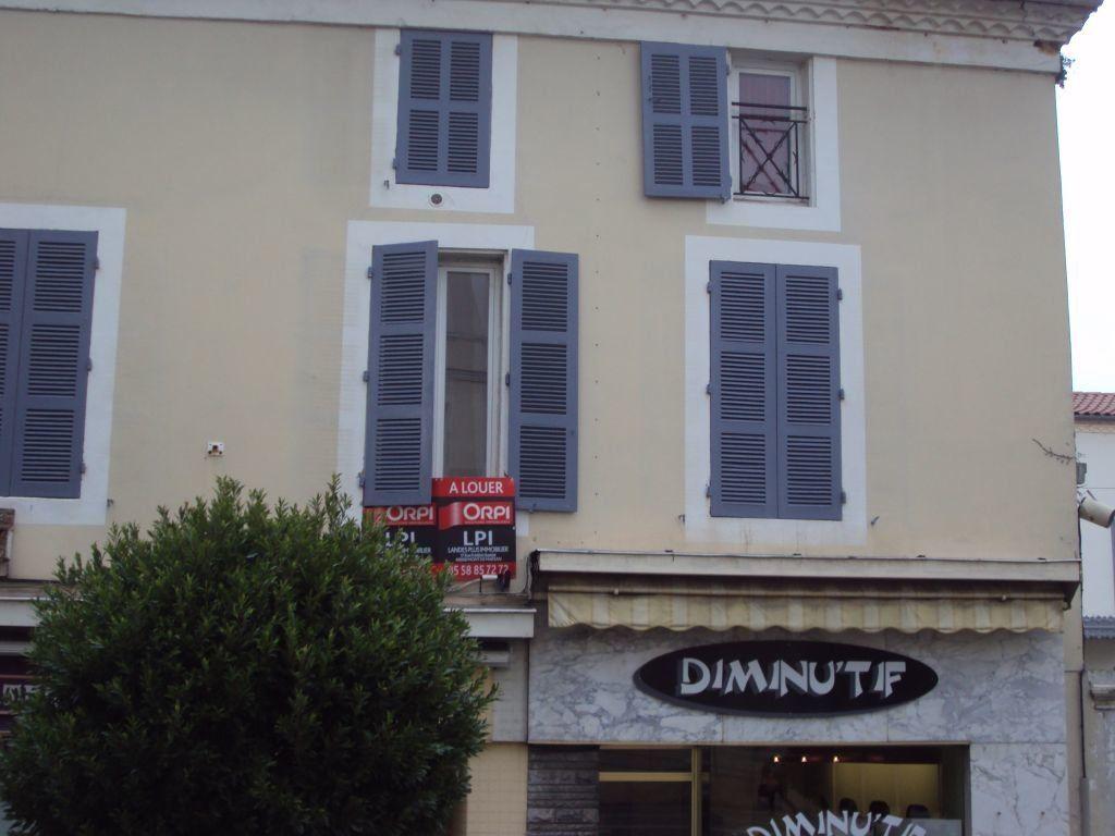 Appartement à louer 3 67m2 à Mont-de-Marsan vignette-6