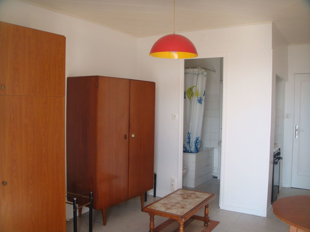 Appartement à louer 1 17.33m2 à Mont-de-Marsan vignette-1