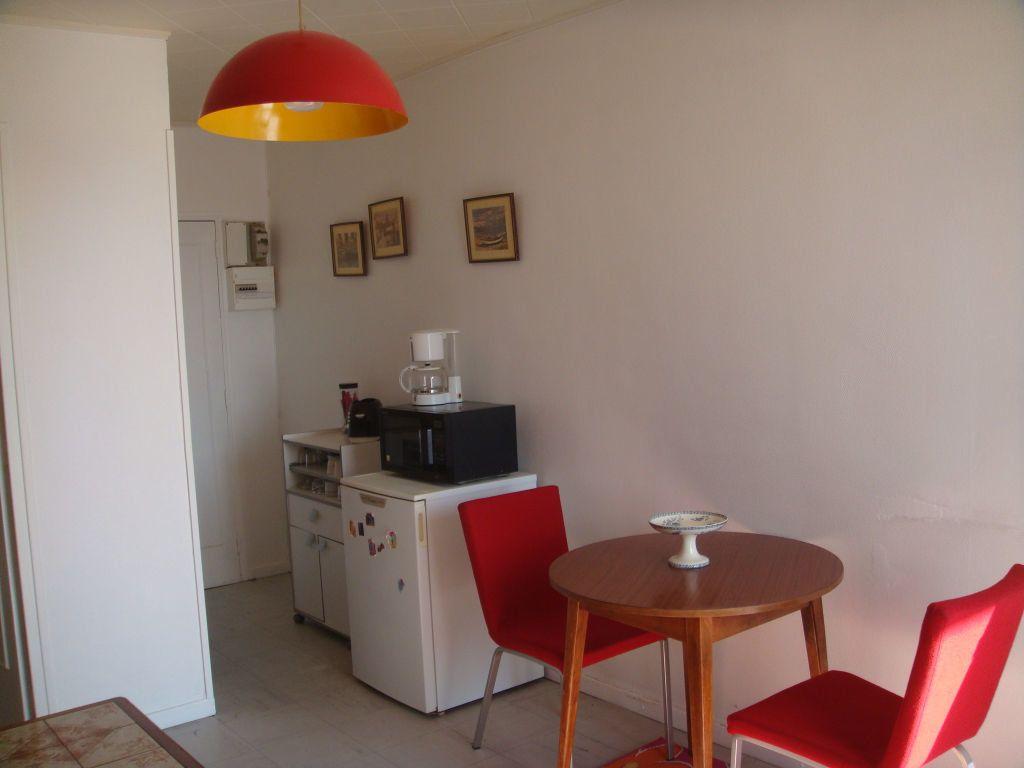 Appartement à louer 1 17.33m2 à Mont-de-Marsan vignette-2