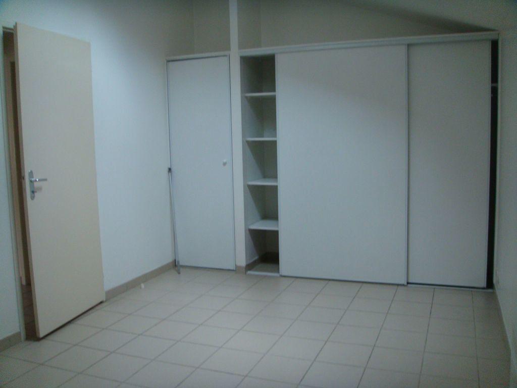 Appartement à louer 2 40m2 à Mont-de-Marsan vignette-4