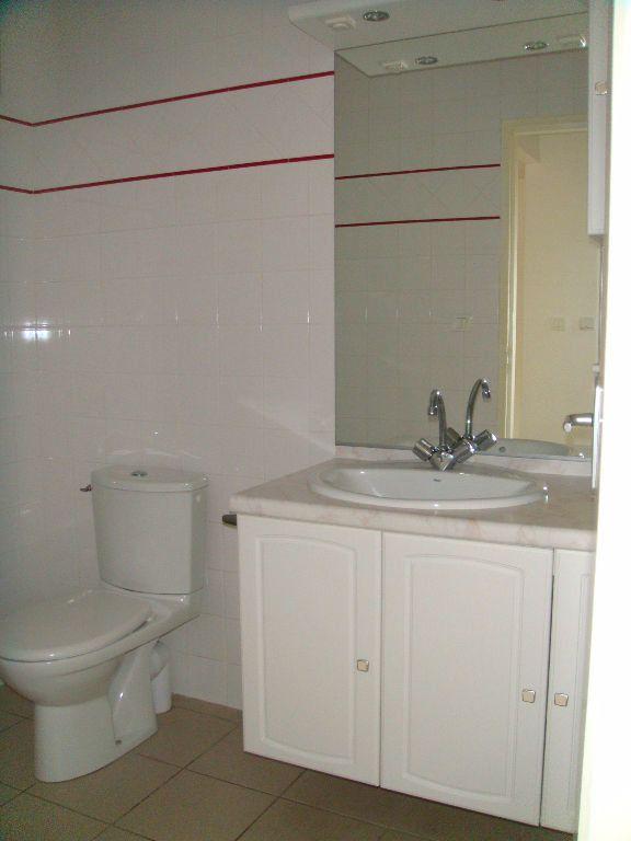 Appartement à louer 2 40m2 à Mont-de-Marsan vignette-5