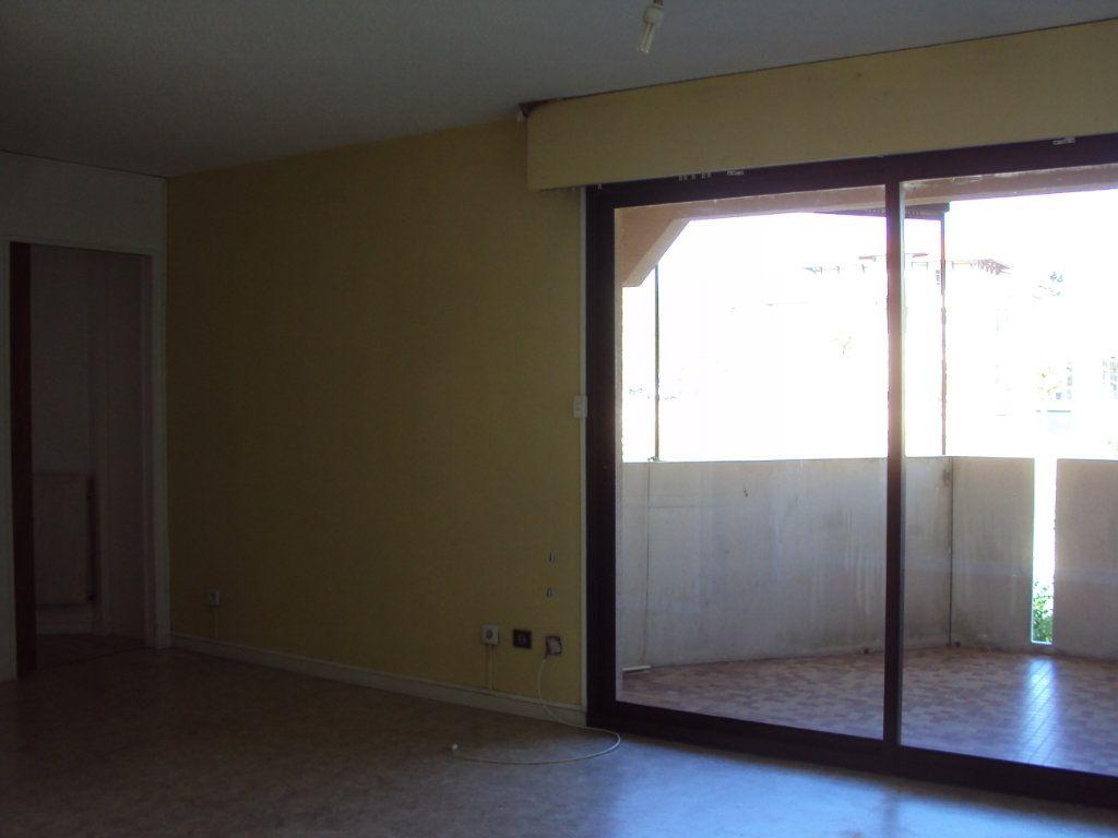 Appartement à louer 1 35m2 à Mont-de-Marsan vignette-5