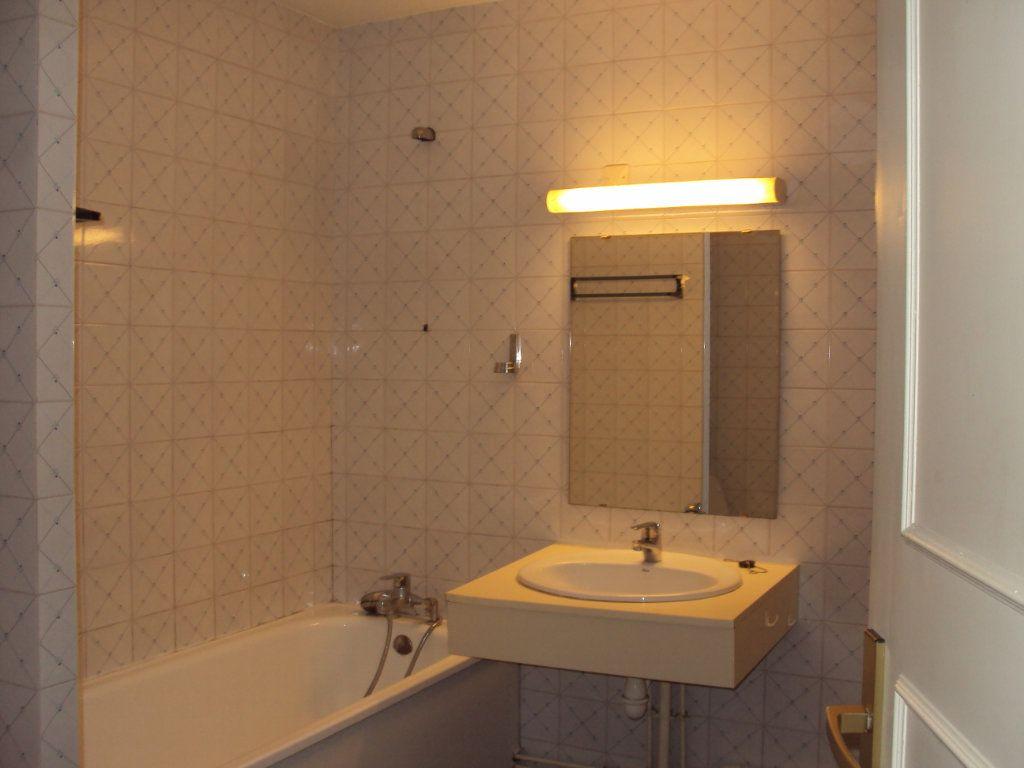 Appartement à louer 1 35m2 à Mont-de-Marsan vignette-8