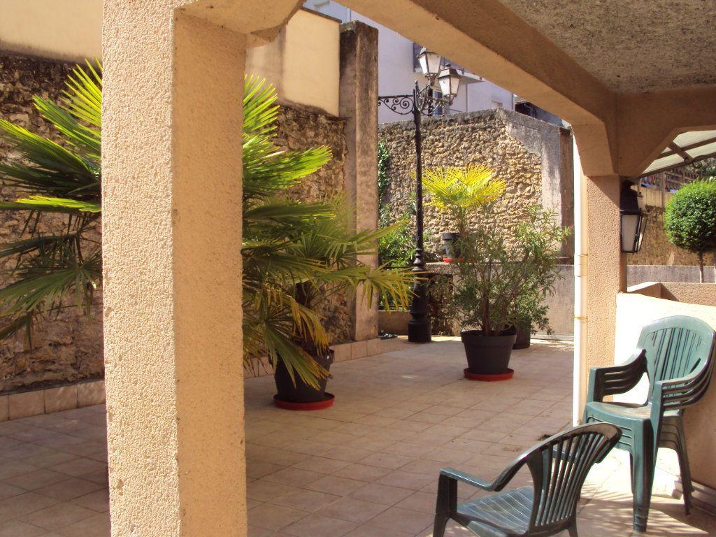 Appartement à louer 1 35m2 à Mont-de-Marsan vignette-9