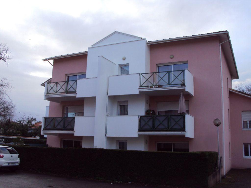 Appartement à louer 1 31m2 à Mont-de-Marsan vignette-9