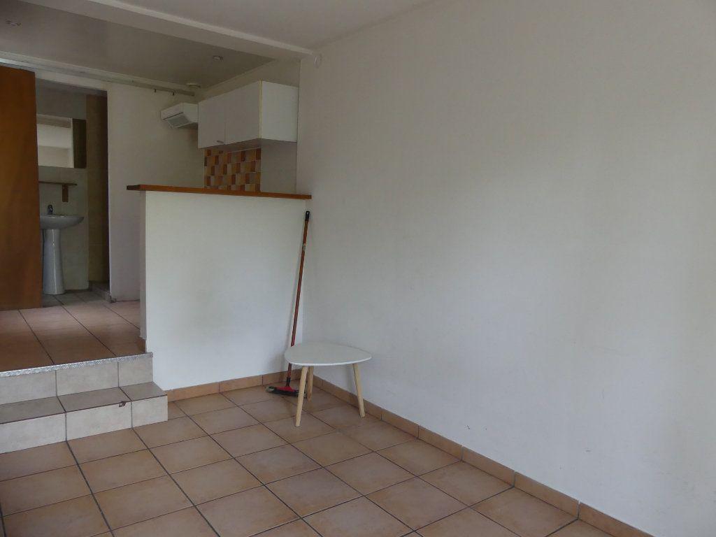 Appartement à louer 1 18m2 à Mont-de-Marsan vignette-2