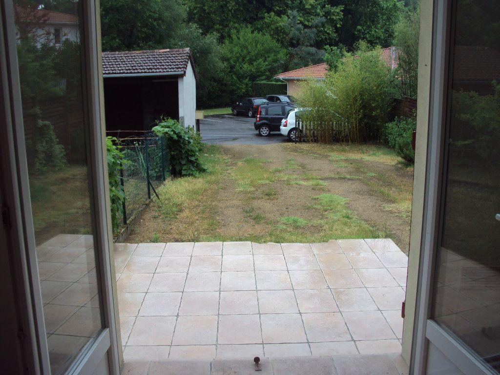 Appartement à louer 1 18m2 à Mont-de-Marsan vignette-5