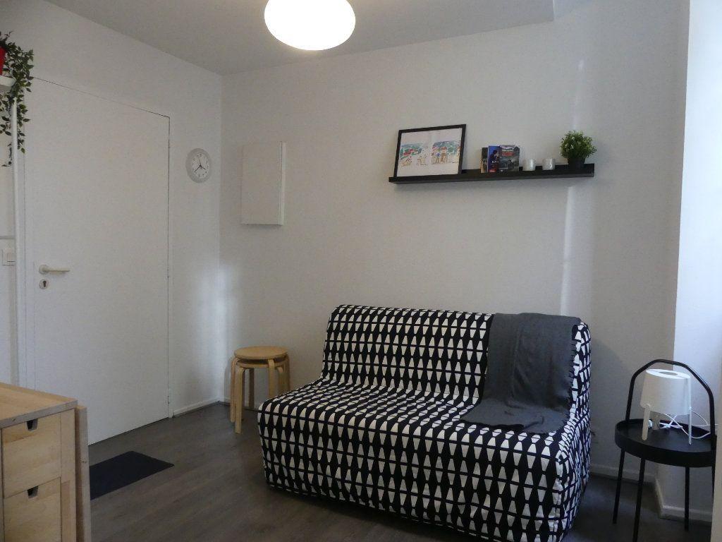 Appartement à louer 1 14m2 à Mont-de-Marsan vignette-1