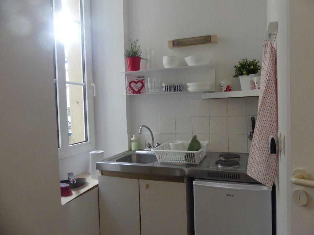 Appartement à louer 1 14m2 à Mont-de-Marsan vignette-3