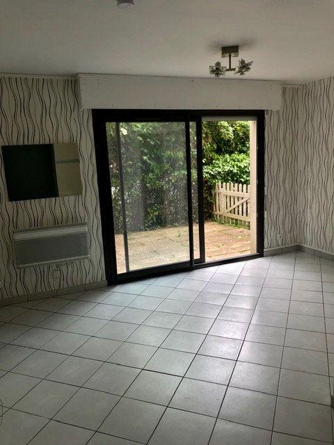 Appartement à louer 2 33.88m2 à Mont-de-Marsan vignette-2