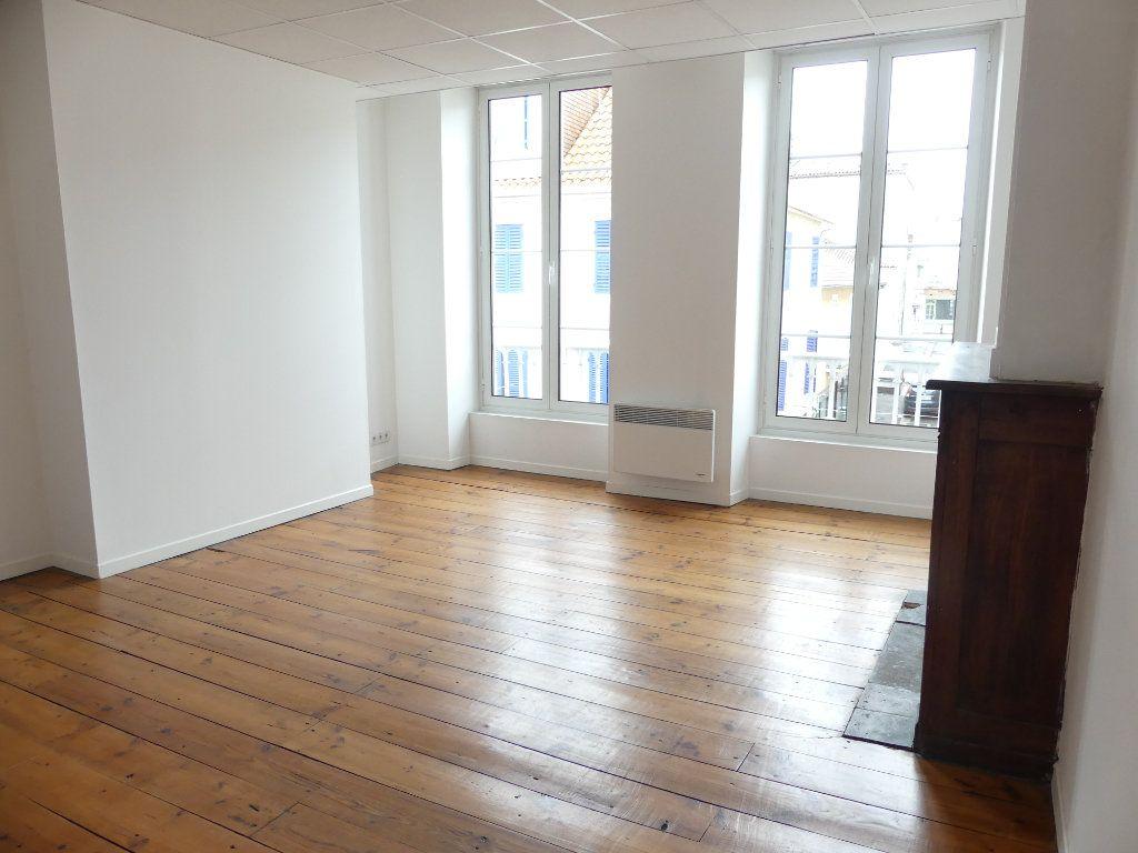 Immeuble à vendre 0 80m2 à Mont-de-Marsan vignette-1