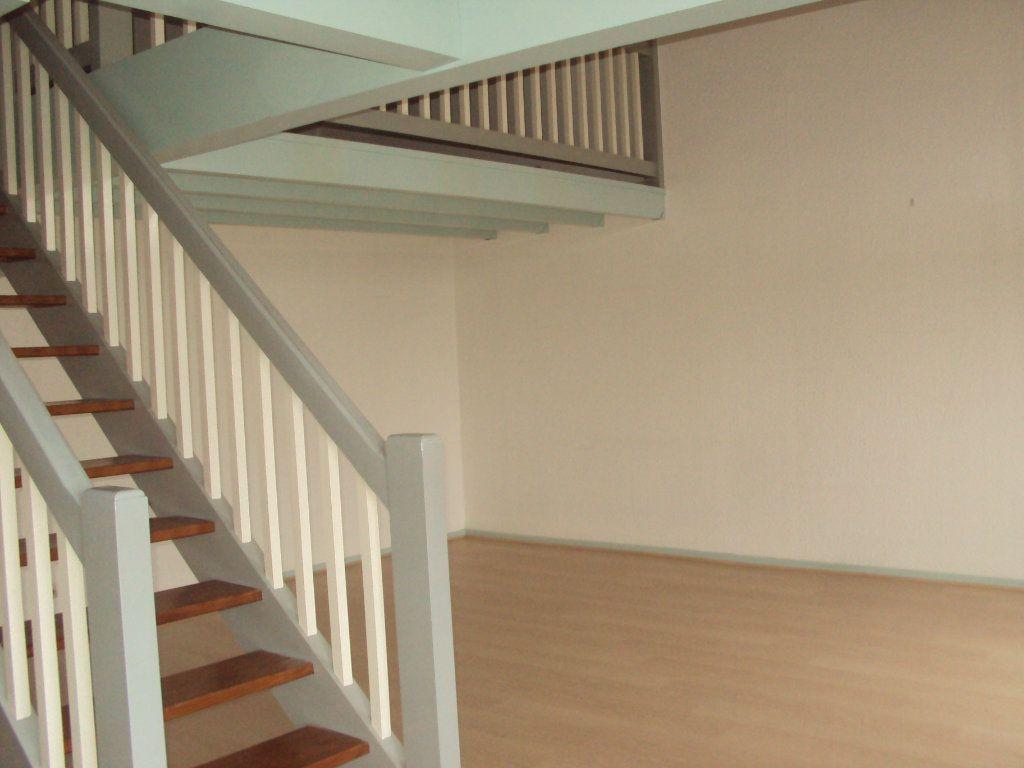 Appartement à louer 3 63m2 à Mont-de-Marsan vignette-1