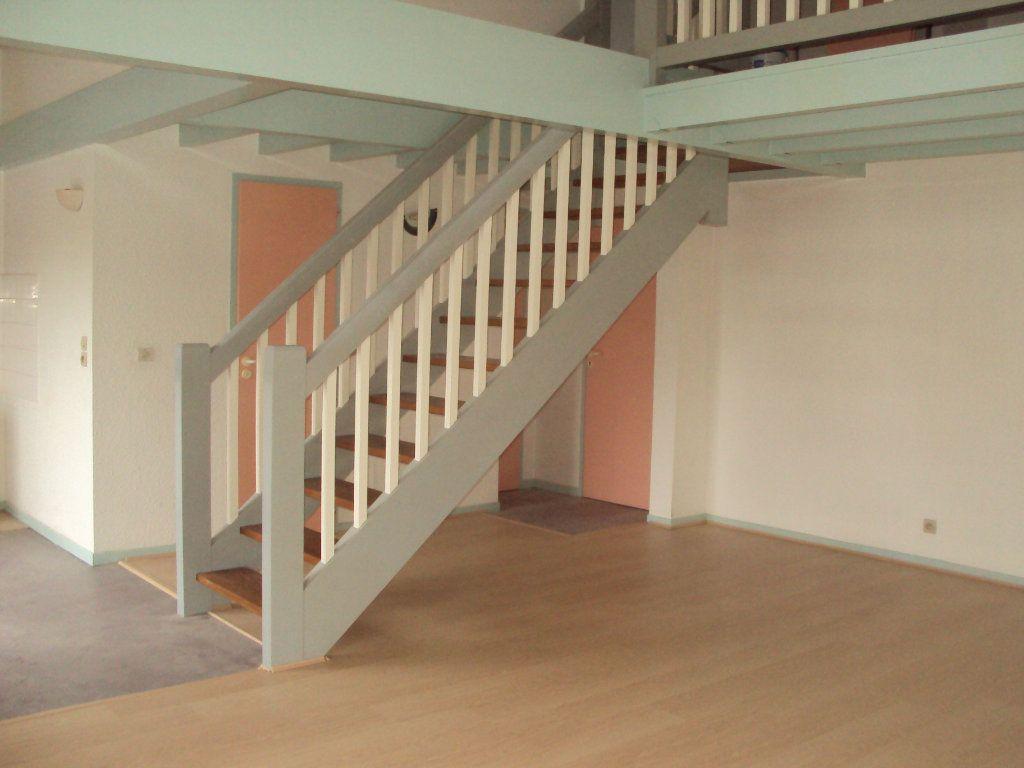 Appartement à louer 3 63m2 à Mont-de-Marsan vignette-2