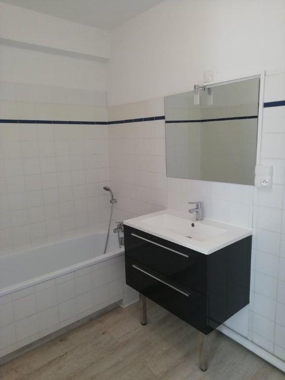 Appartement à louer 2 47.75m2 à Mont-de-Marsan vignette-4