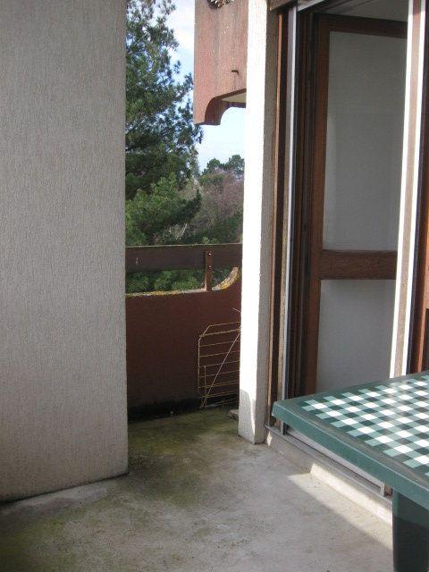Appartement à louer 1 23.58m2 à Saint-Pierre-du-Mont vignette-5