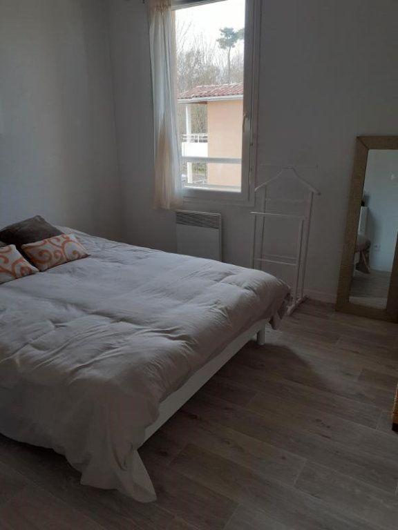 Appartement à louer 3 57m2 à Saint-Pierre-du-Mont vignette-4