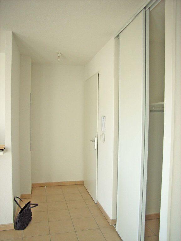 Appartement à louer 3 57m2 à Saint-Pierre-du-Mont vignette-6