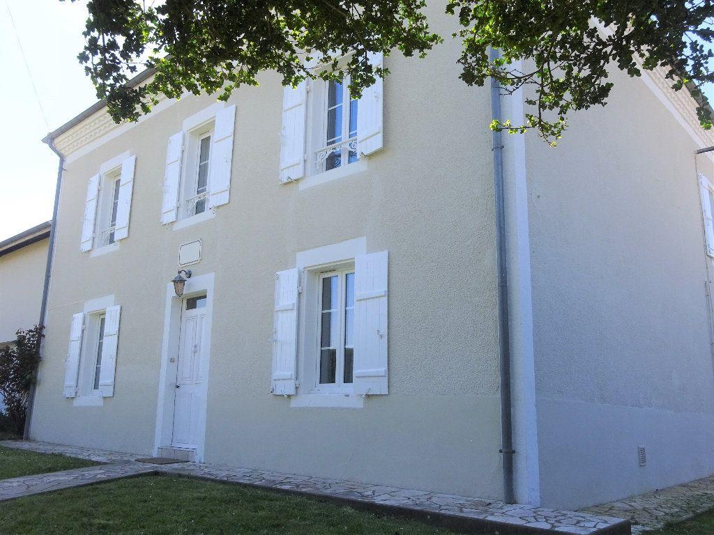 Maison à vendre 6 160m2 à Saint-Sever vignette-1