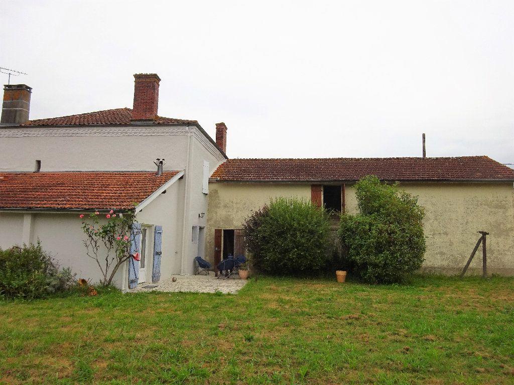 Maison à vendre 6 160m2 à Saint-Sever vignette-3