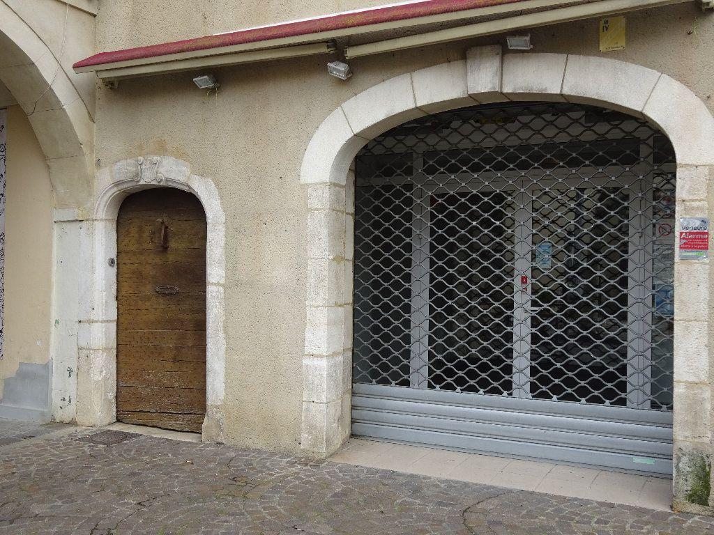 Immeuble à vendre 0 418m2 à Saint-Sever vignette-2