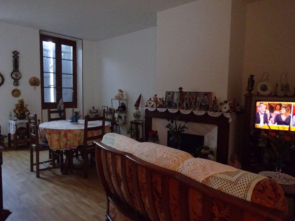 Immeuble à vendre 0 418m2 à Saint-Sever vignette-4